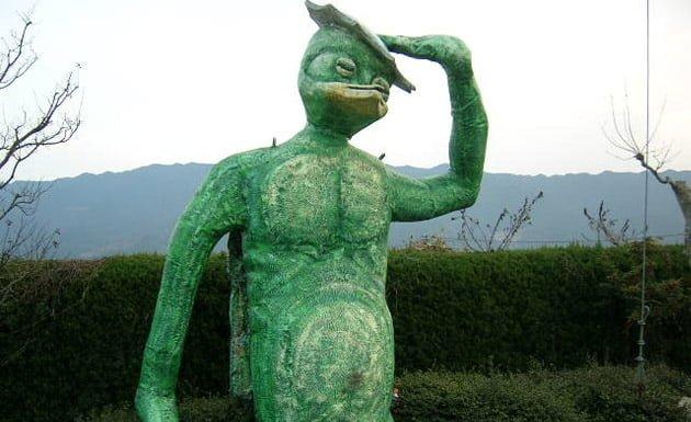 escultura de un kappa