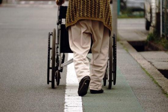 La población japonesa es cada vez más anciana.